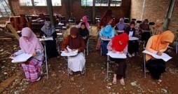 Proses belajar-Mengajar mahasiswa IIQ yang terlantar