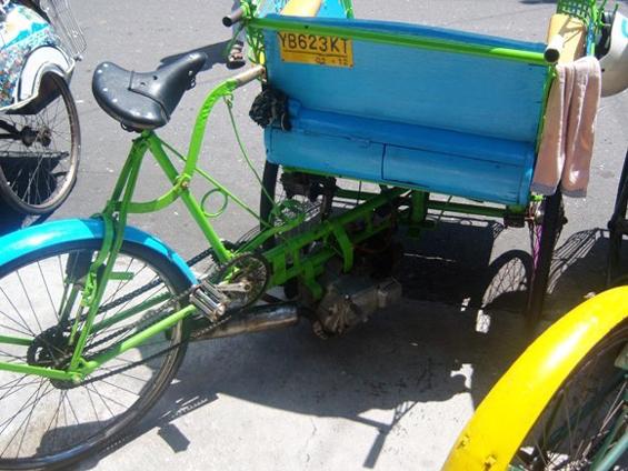 *Foto Becak Motor (Betor) di kutip dari web http://www.promolagi.com/potret_det.php?jid=246