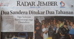 Polisi Disandera Warga (Radar Jember)