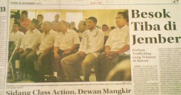 Radar Jember - Pihak pedagang Pasar Kencong sebagai para penggugat terhadap Bupati Jember M.Z.A. Djalal dan DPRD Jember di PN Jember